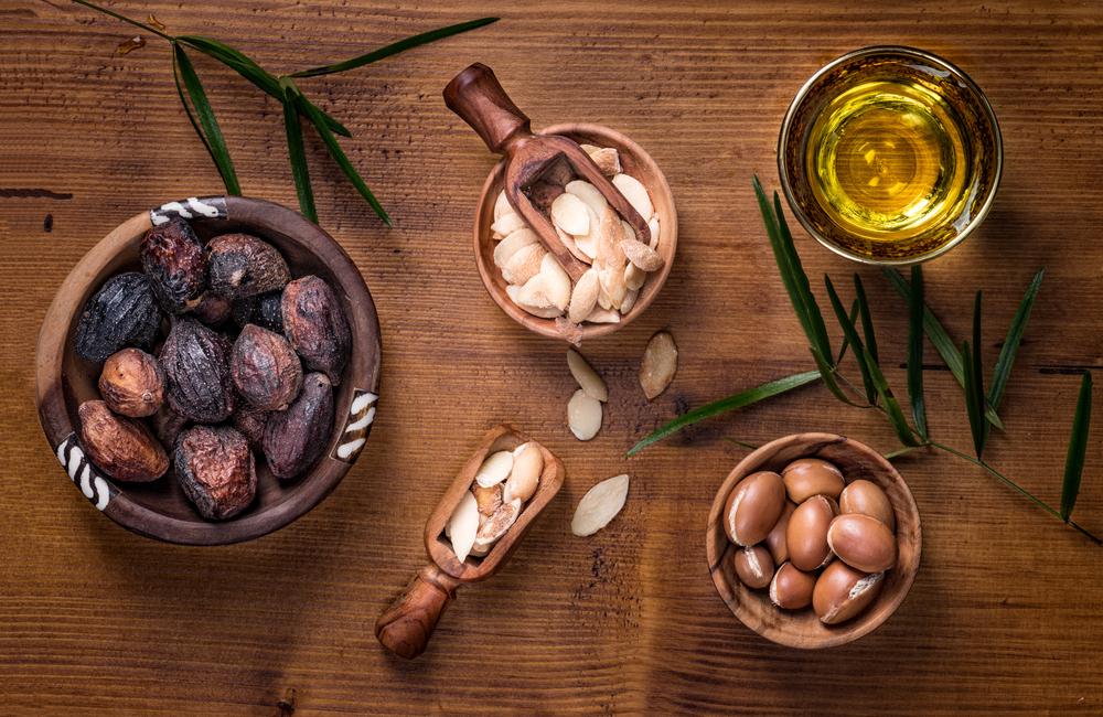 Olio, frutti e semi di Argan
