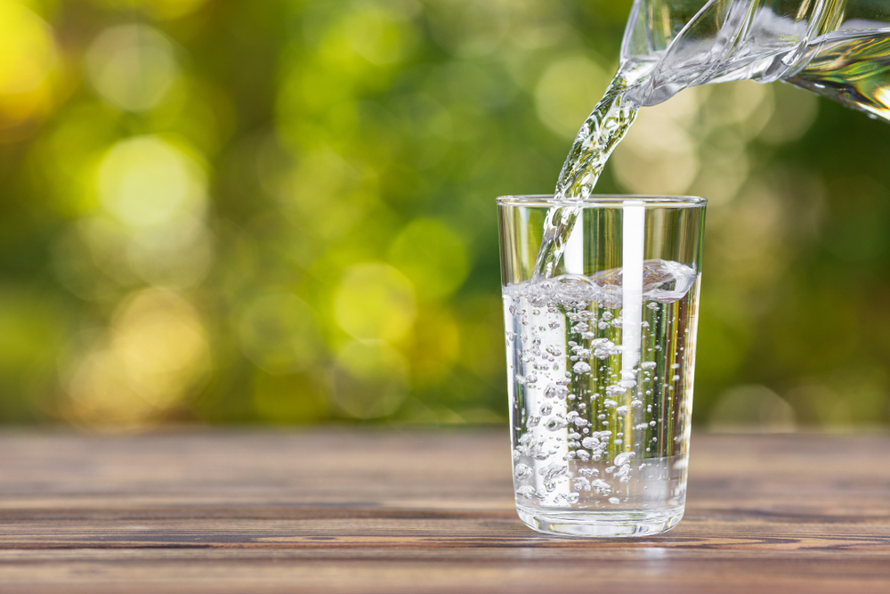 L'importanza di bere molta acqua in estate